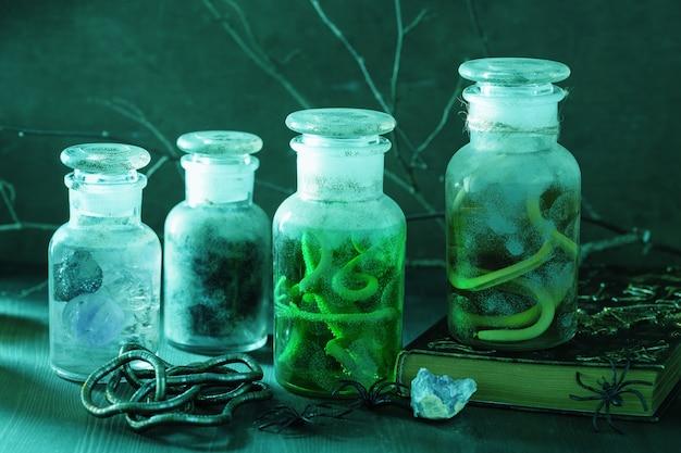 Bruja boticario frascos pociones mágicas decoración de halloween