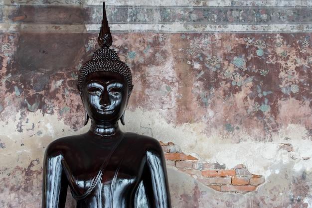 Buda en wat suthat thepwararam