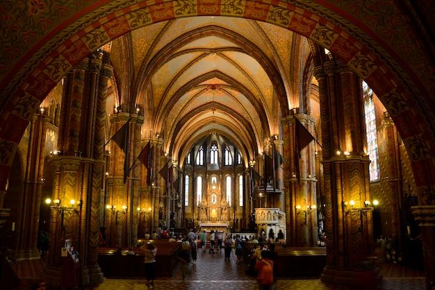Budapest matthias iglesia interior