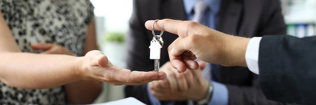 Buen trato de compra venta de propiedad