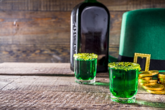Buena suerte leprechaun shot cocktail