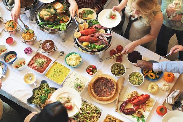 Buffet cena restaurante catering comida concepto
