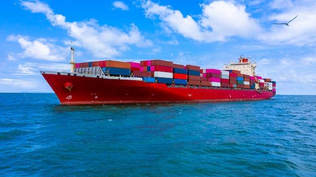 Buque de carga de contenedores que transporta contenedores para la importación y exportación de carga comercial