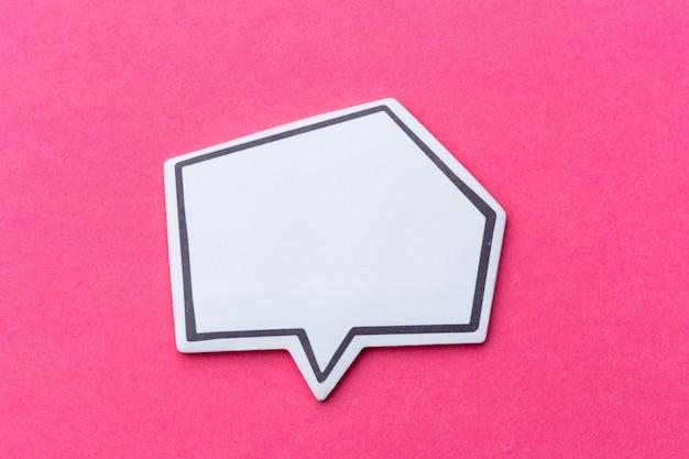 Burbuja de chat vacía en blanco para texto