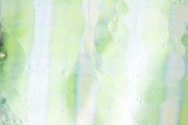 Burbuja con textura sobre el fondo verde y blanco