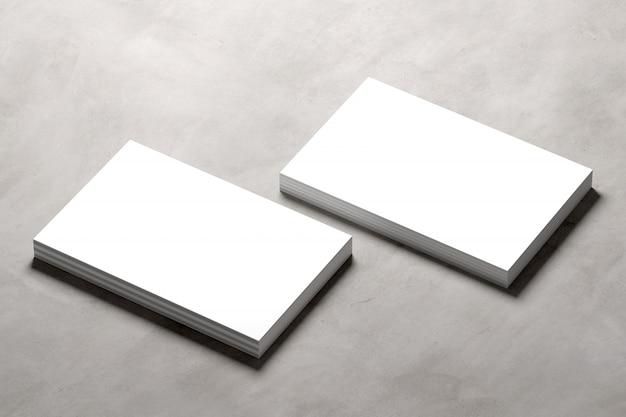 Se burlan de tarjeta de visita en un fondo concreto - representación 3d