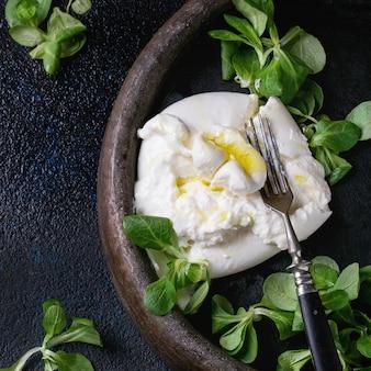 Burrata de queso italiano