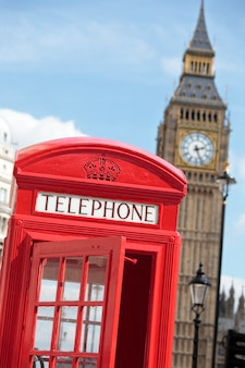 Cabina telefónica con big ben