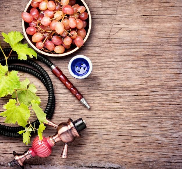 Cachimba con uvas de otoño