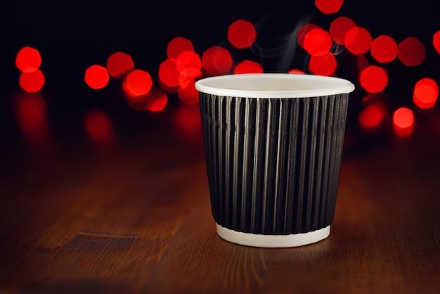 Café caliente de vacaciones