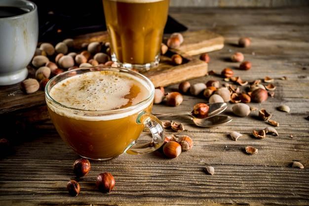 Café con leche casero con avellanas