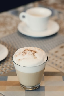 Café en la mesa