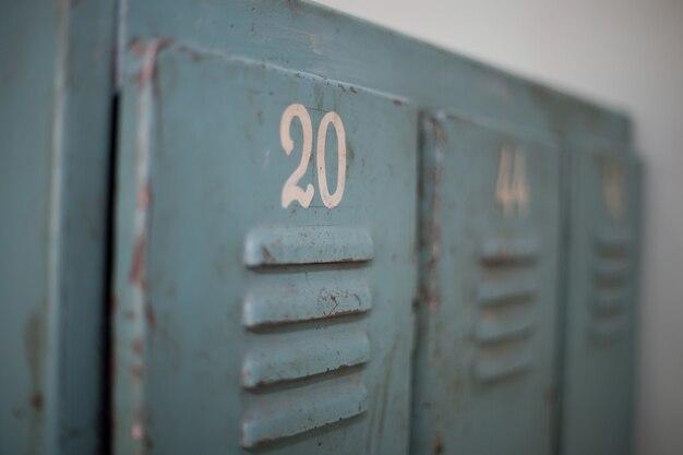 Caja de metal vieja