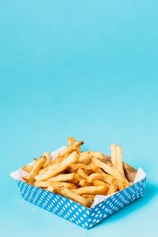 Caja de papas fritas con espacio de copia