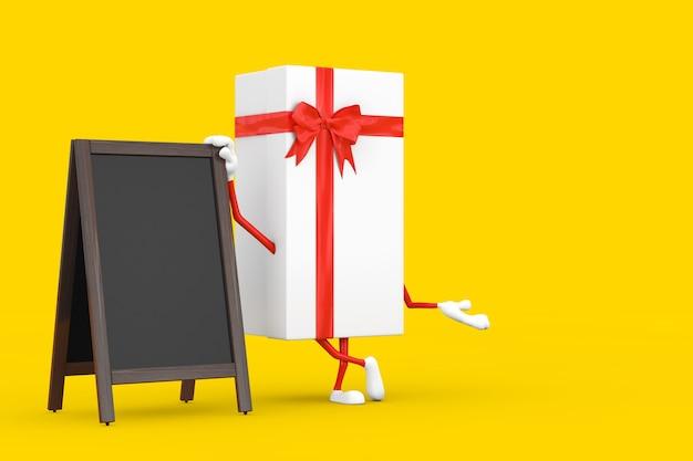 Caja de regalo blanca y mascota de personaje de cinta roja con pantalla exterior de pizarras de menú de madera en blanco sobre un fondo amarillo. representación 3d