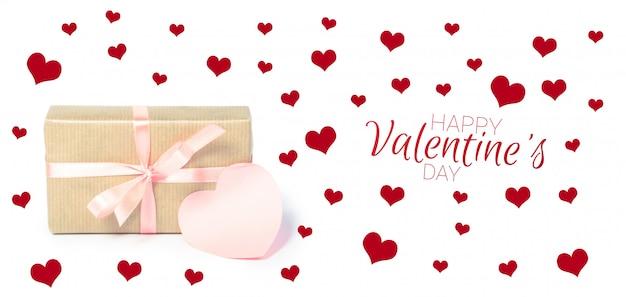 Caja de regalo con etiqueta de regalo. día de san valentín