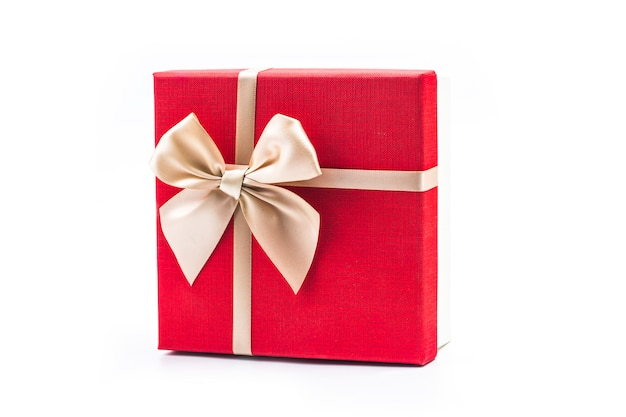 Caja de regalo en el fondo blanco