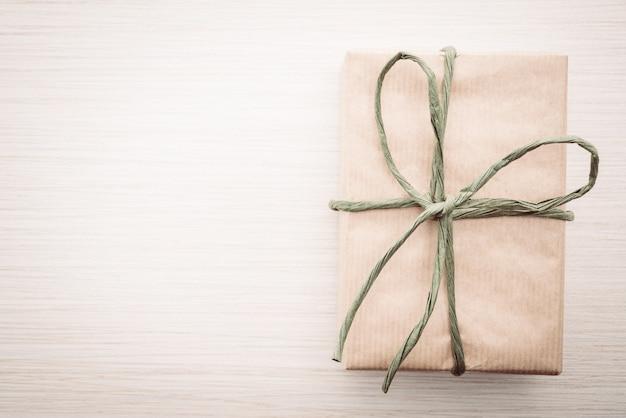 Caja de regalo marrón