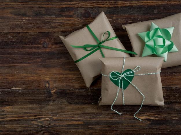 Caja de regalo vintage envuelta