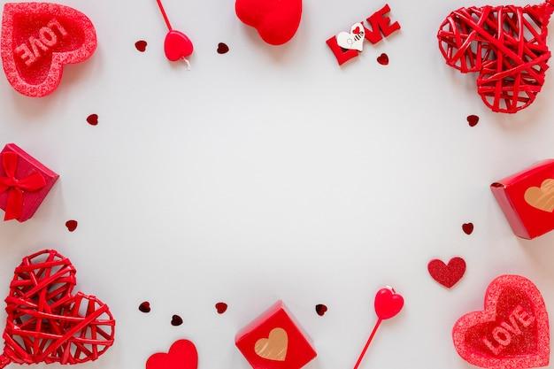 Cajas y corazones para el marco de san valentín