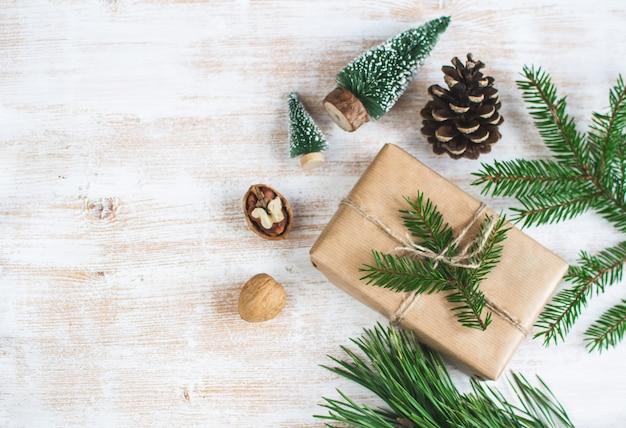 Cajas de regalo de navidad decoración decoración natural fiesta de año nuevo conos de pino vintage nueces juguetes