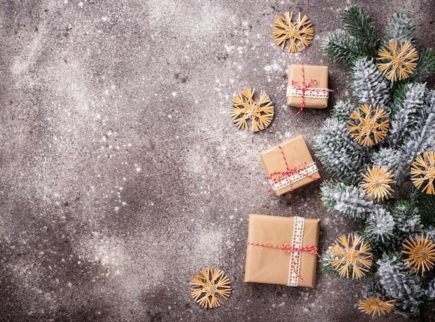 Cajas de regalo de navidad en papel artesanal