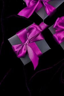 Cajas de regalo negras de lujo con cinta verde