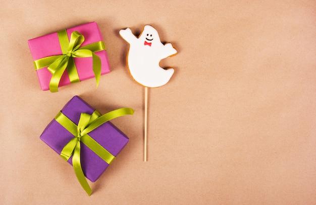 Cajas de regalo y pan de jengibre casero