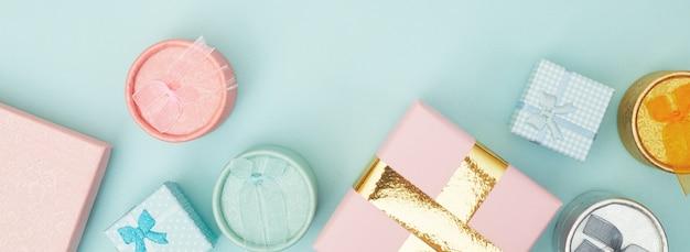 Cajas de regalo sobre fondo azul pastel, espacio de copia, flatlay