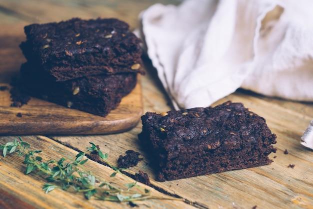 Calabacín vegano sin harina paleo y brownies de calabaza (ceto, bajo en carbohidratos y sin gluten)