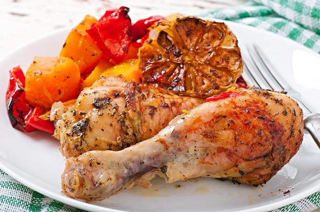 Calabaza al horno con pollo y pimentón