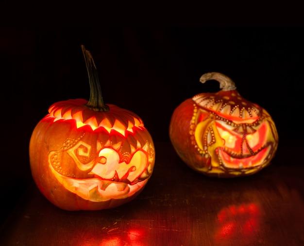 Calabazas de halloween en negro