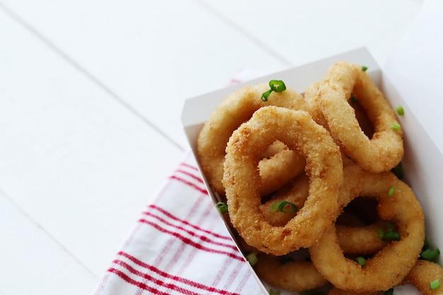 Calamares fritos en rodajas para aperitivo