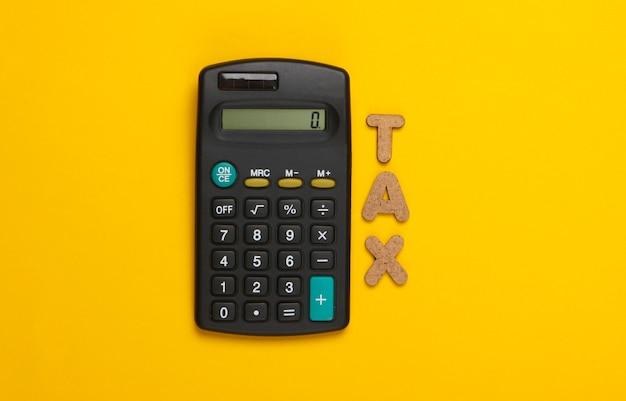 Calculadora con la palabra impuestos en amarillo