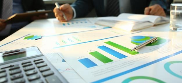 Calculadora de plata y estadísticas financieras en el portapapeles