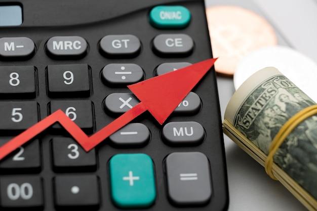 Calculadora de primer plano para economía global y dinero