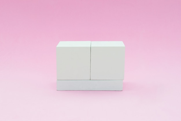 Calendario de bloques en estilo vintage aislado en rosa