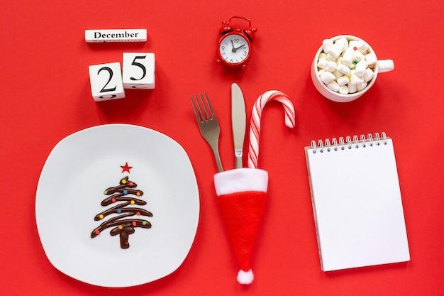 Calendario de composición navideña el 25 de diciembre.