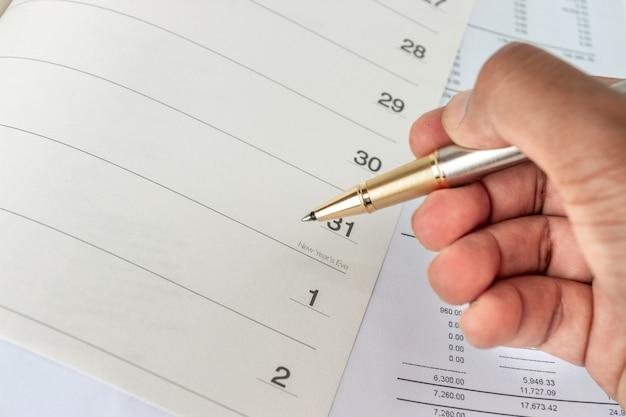 Calendario en un cuaderno