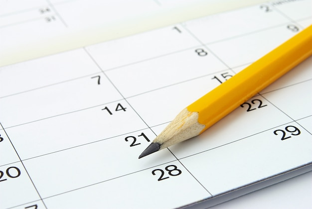Calendario y un lápiz