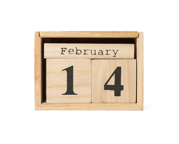 Calendario de madera con fecha 14 de febrero aislado sobre fondo blanco, día de san valentín de vacaciones