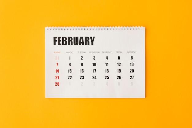 Calendario minimalista de papelería plana.