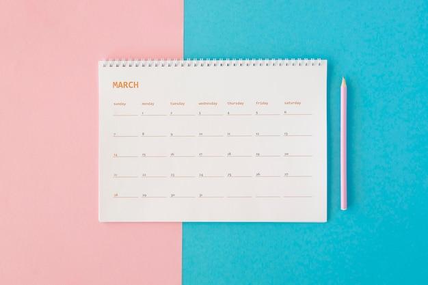Calendario de papelería de vista superior