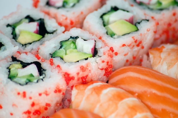 California maki y sushi de cerca