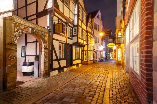 Calle medieval schnoor en bremen, alemania