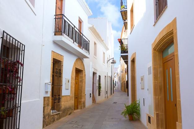 Calles del casco antiguo de javea xabia en alicante españa