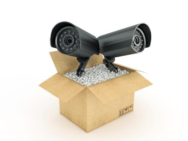 Cámara de vigilancia en caja de cartón