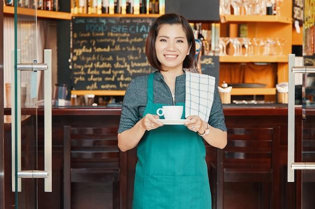 Camarera de la cafetería