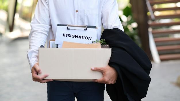 Cambio de negocio de empleo, desempleo, renuncia.