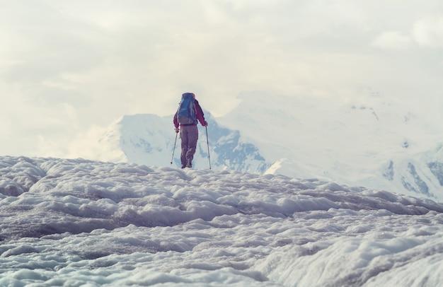 Caminata en wrangell-st. parque nacional elias, alaska.